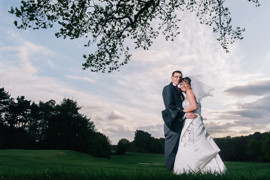 Awesome dorset wedding photographer at bowlers golf club in southampton