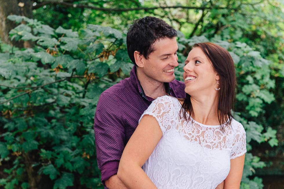 wedding photography couple smiling
