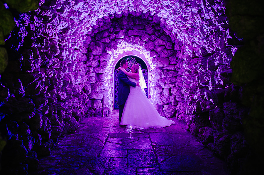 wedding photography at the italian villa - in the grotto awesome purple light photography