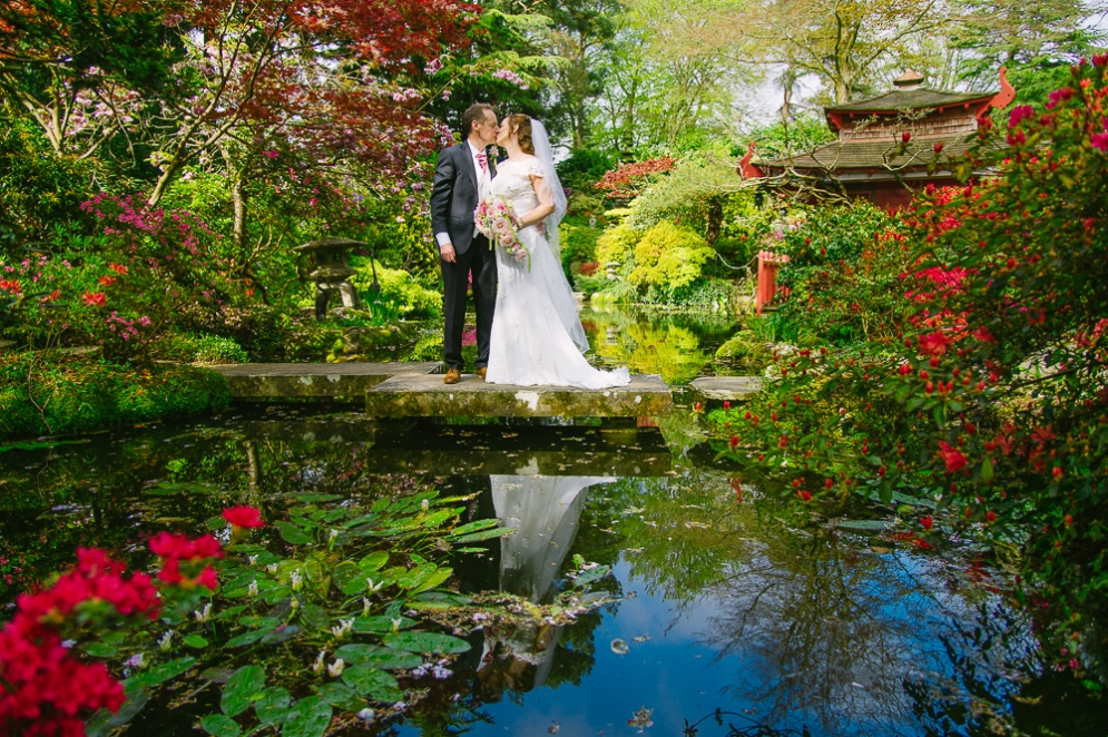 Italian Villa wedding photography - Japanese gardens